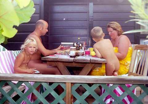 Развитие семейного нудизма